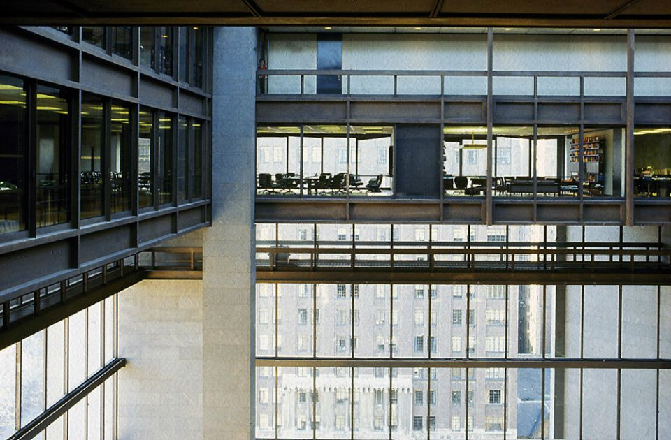 Ford Foundation Building receives AIA fifty-year award.